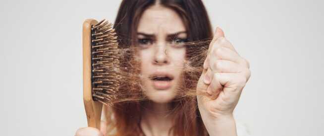 تساقط الشعر عند النساء